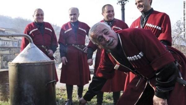Rượu Chacha đặc sản của Sochi (Ảnh CNN)