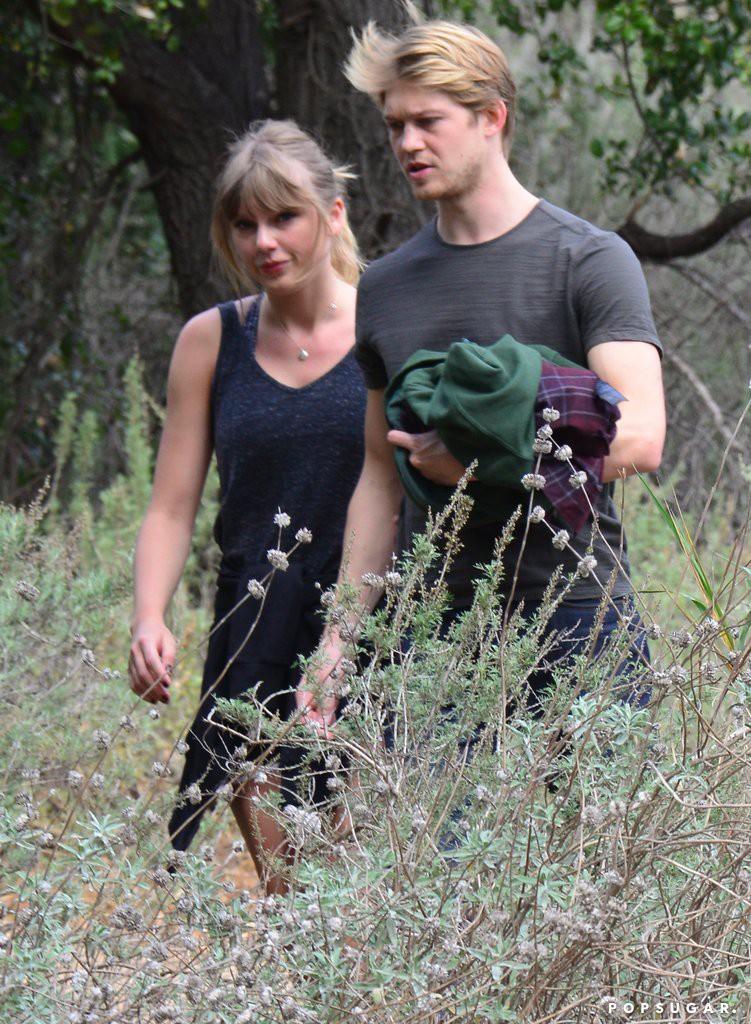 HOT: Taylor Swift sẽ kết hôn vào tháng 8 tới? 1