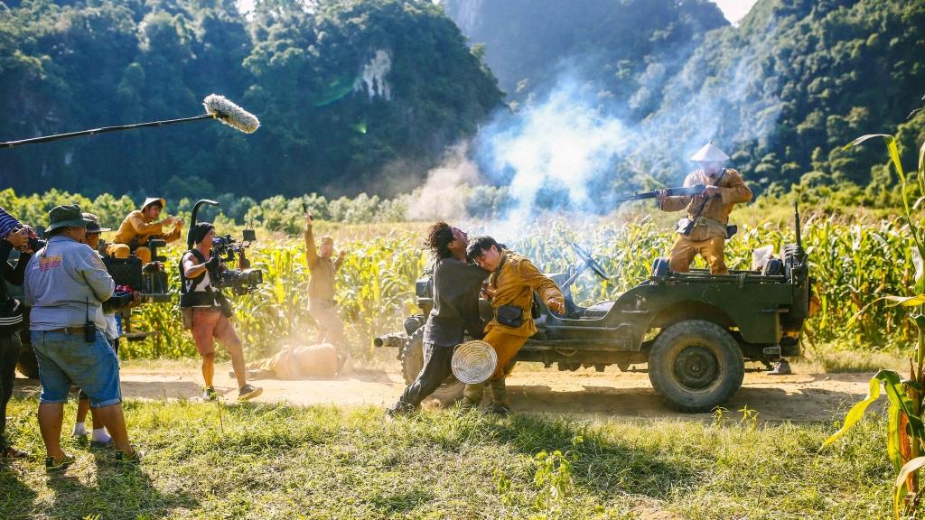 'Người bất tử' tung clip hậu trường đầu tiên, hé lộ hành trình vượt mọi giới hạn của bộ phim 2