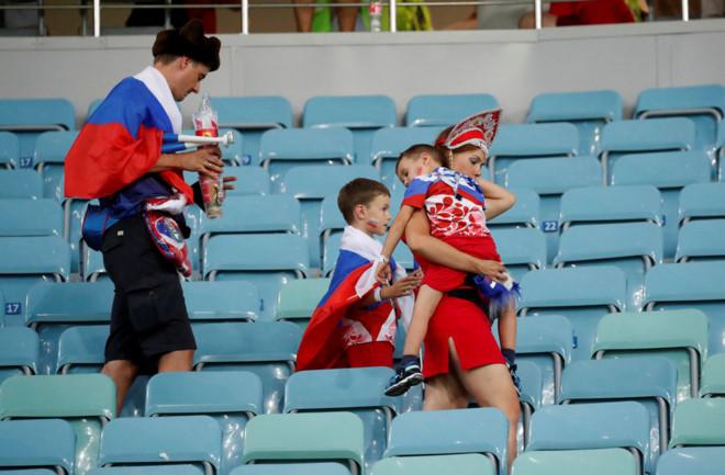 'Cả Messi, Neymar và Ronaldo đều xem Nga thi đấu dù thất bại' 2