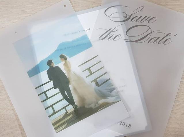 Thiệp cưới của cặp đôi