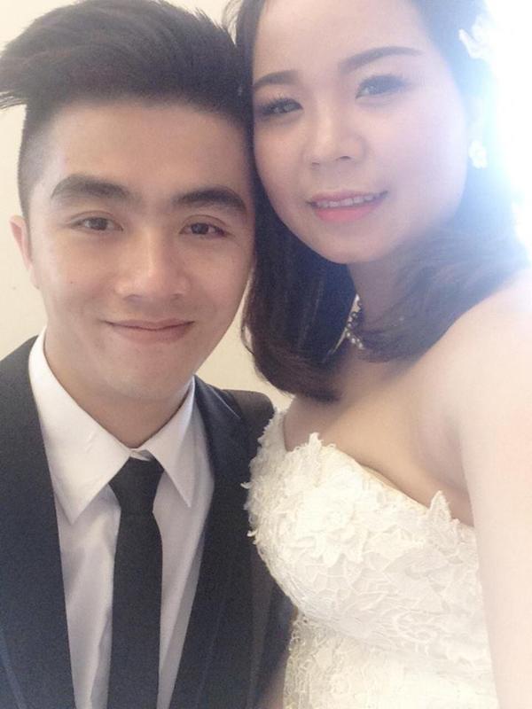Thế Mạnh và vợ trong ngày cưới
