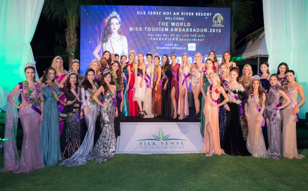 Nam Em diện đầm ánh bạc, tự tin hát trong đêm khai mạc Hoa hậu đại sứ du lịch Thế giới 2018 0