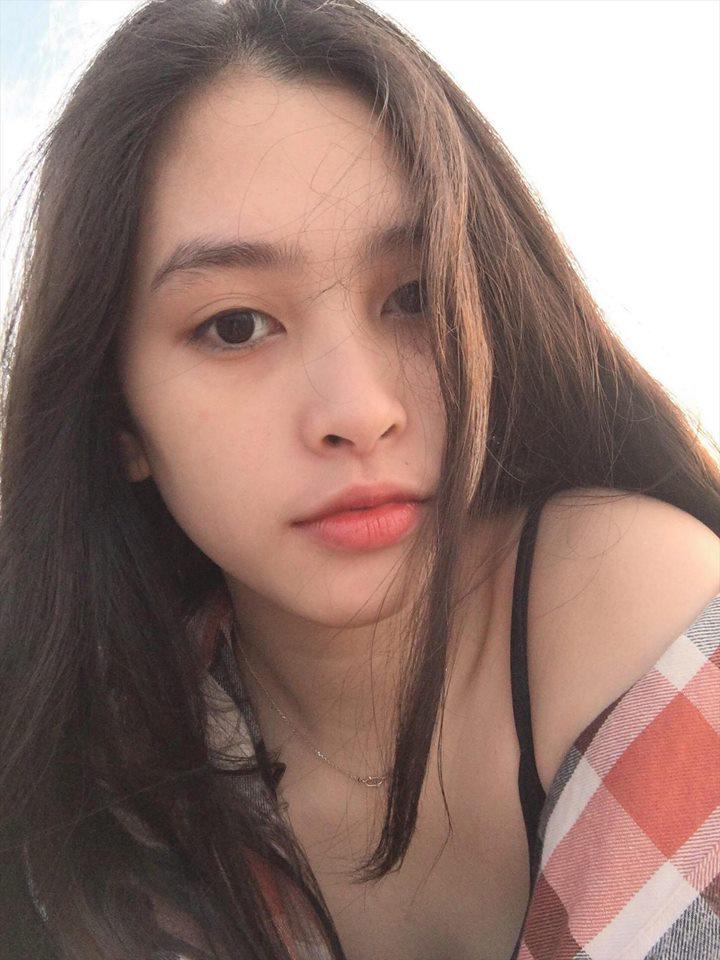 Ngắm mặt mộc trẻ trung và xinh đẹp của tân Hoa hậu Việt Nam Trần Tiểu Vy 1