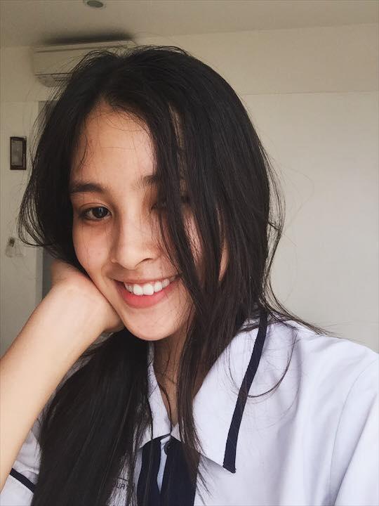 Ngắm mặt mộc trẻ trung và xinh đẹp của tân Hoa hậu Việt Nam Trần Tiểu Vy 2