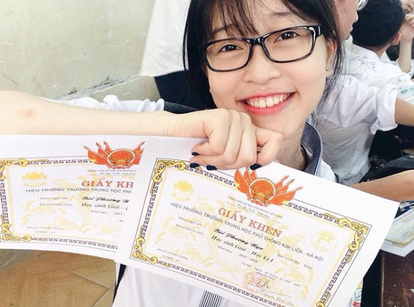 Á hậu 1 Bùi Phương Nga: 12 năm liền là học sinh giỏi, ước mơ trở thành giảng viên NEU 3