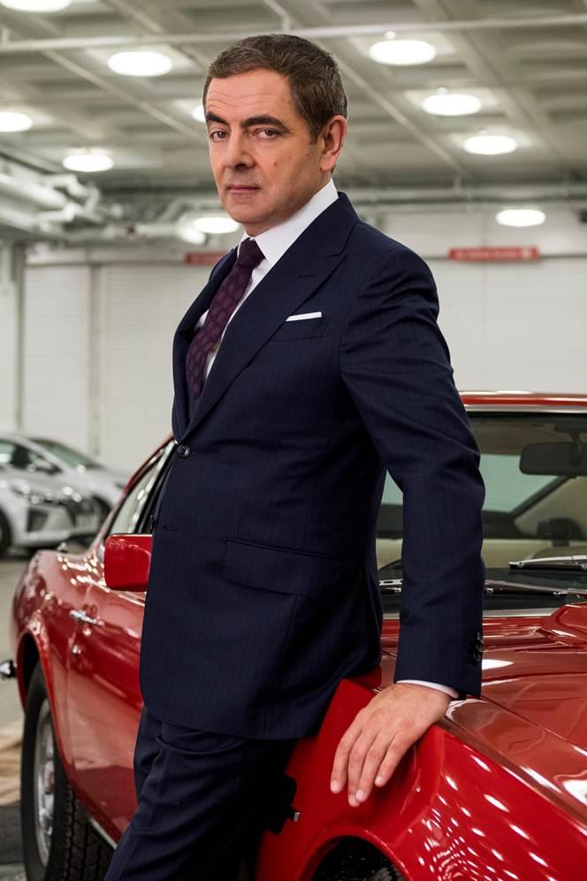'Tôi cho rằng đó là một chiếc xe hoàn hảo cho Johnny English. Trông nó mới ngầu làm sao. Thật tuyệt khi nhìn thấy một quả cà chua màu đỏ lăn trên đường trong ánh nắng mặt trời chói chang của vùng Cote D'Azur', Atkinson hài hước nhận định.