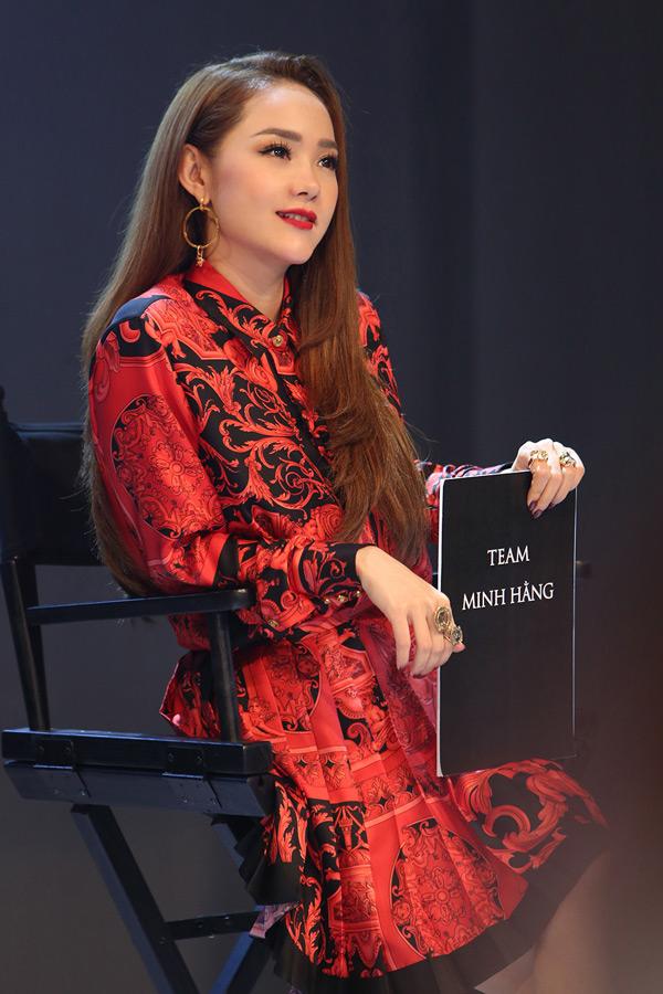 Minh Hằng nói gì khi bị Kiko Chan nhận xét thiếu chuyên nghiệp, không nên làm HLV 'The Face'? 0