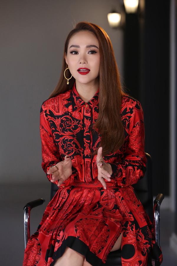 Minh Hằng nói gì khi bị Kiko Chan nhận xét thiếu chuyên nghiệp, không nên làm HLV 'The Face'? 2
