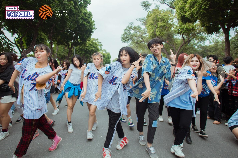 Bạn có nhận ra điệu nhảy này không? Từ những vũ đạo 'kinh điển' của K-POP gen 2.