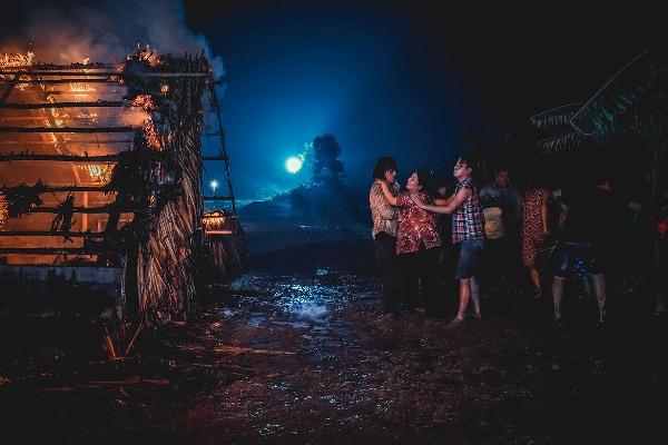 Tập 4 'Tay buôn, buông tay': Nín thở khi Võ Đăng Khoa liều mìnhlao vào đám cháy lớn 2