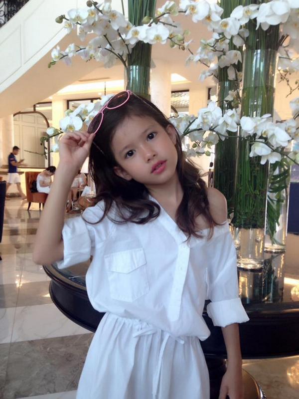 Tham gia 'Biệt tài tí hon' cô bé 8 tuổi gây sốt bởi vẻ đẹp lai Việt – Đức 5