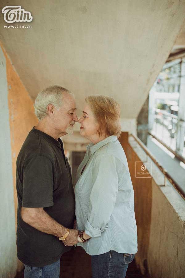 Cặp vợ chồng người Mỹ 38 năm vẫn nắm tay nhau, chọn Việt Nam chụp bộ ảnh cưới 'để đời' 6