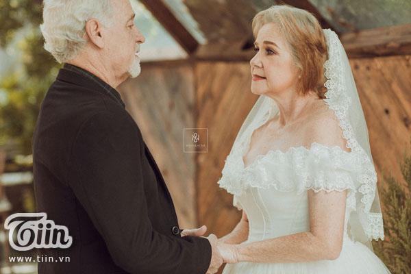 Cặp vợ chồng người Mỹ 38 năm vẫn nắm tay nhau, chọn Việt Nam chụp bộ ảnh cưới 'để đời' 11