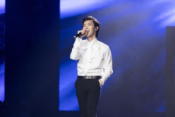 Erikbiểu diễn ca khúc mới trước ngày ra mắt, đầu tư 'hoành tráng' trongđêm nhạc Việt - Hàn 0