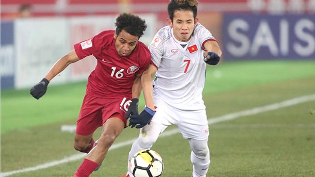 Hồng Duy Pinky - chàng cầu thủ được fan phát cuồng vì vẫn bình tĩnh bán son trước trận thi đấu tạigiải U23 châu Á.