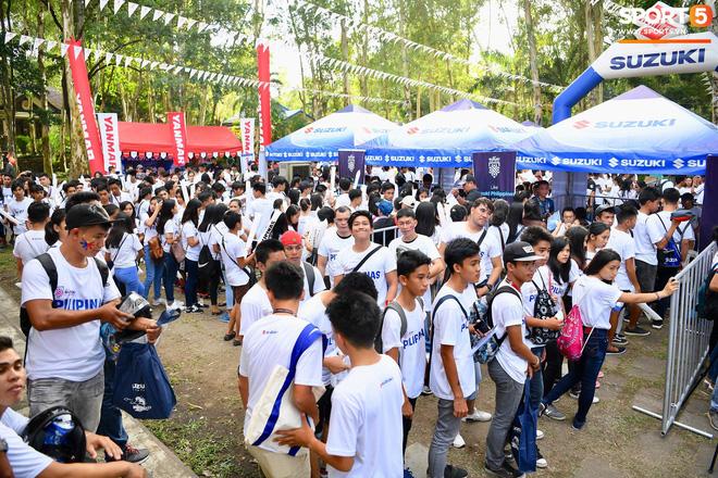 Các CĐV Philippines đã đến rất đồng. Có rất nhiều học sinh và sinh viên đến trước trận đấu khoảng 5 tiếng đồng hồ.