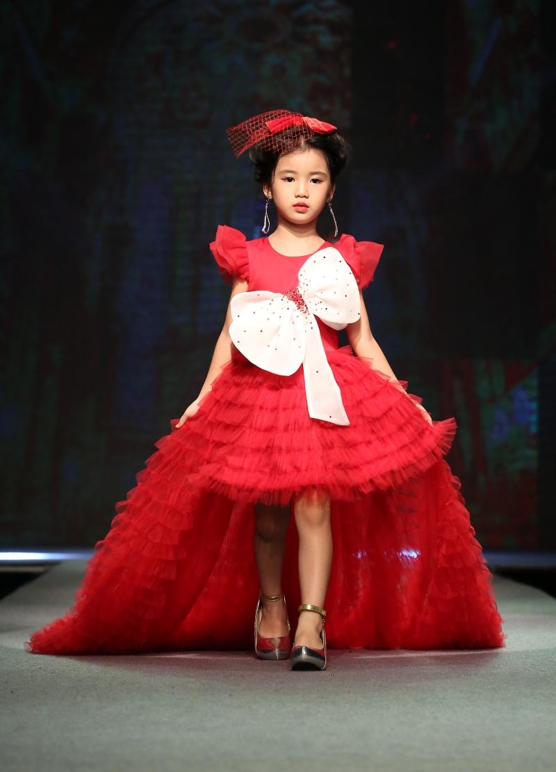 Dàn mẫu nhí trình diễn chuyên nghiệp trong Gala thời trang hướng đến trẻ tự kỷ 5