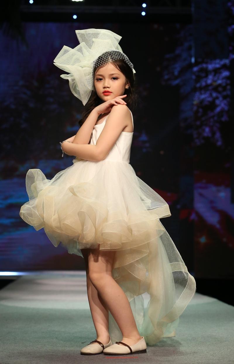 Dàn mẫu nhí trình diễn chuyên nghiệp trong Gala thời trang hướng đến trẻ tự kỷ 6