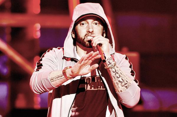 Eminem là một trong những rapper thành công của năm qua với album Kamikaze. Cùng chung số phận với Taylor Swift và Sam Smith, nam rapper huyền thoại chỉ nhận được 1 đề cử duy nhất cho Lucky You ở hạng mục Ca khúc nhạc Rap hay nhất.