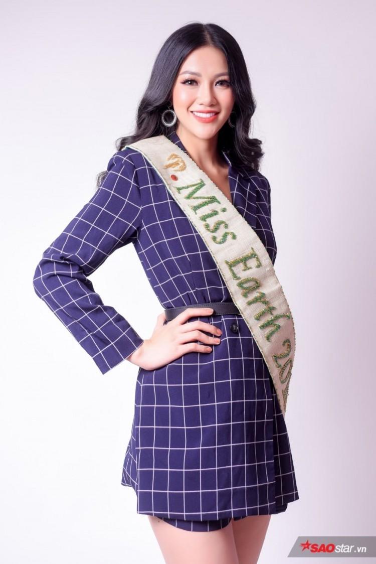 Những chứng cứ bất lợi này đang khiến danh hiệu Hoa hậu của người đẹp Bến Tre bị 'lung lay' ít nhiều trong lòng khán giả.
