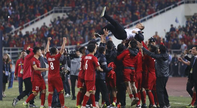 Đội tuyển Việt Nam ăn mừng chiến thắng sau trận chung kết AFF Cup 2018.