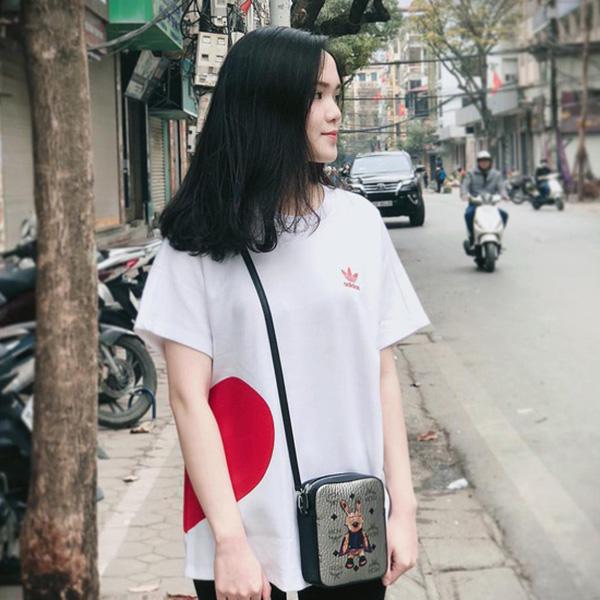 Quỳnh Anh luôn để kiểu tóc đơn giản nhưng rất xinh đẹp