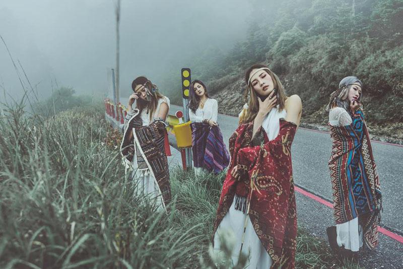 Những bức ảnh kín đáo mà vẫn xinh đẹp của 4 cô gái Đài Loan nhận được nhiều lời khen.