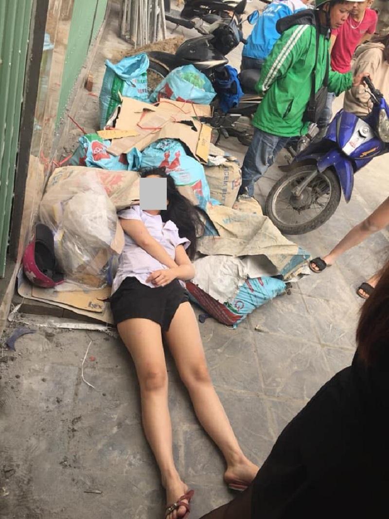 Cô gái bị đánh ghenbất tỉnh vì sợ hãi