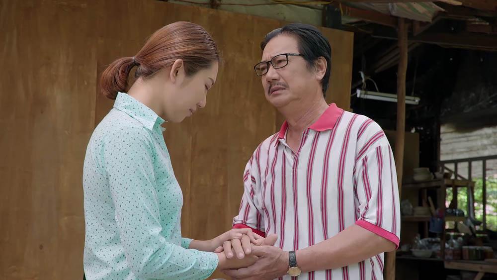 Ông Vương cũng dành sự quan tâm cho Hân