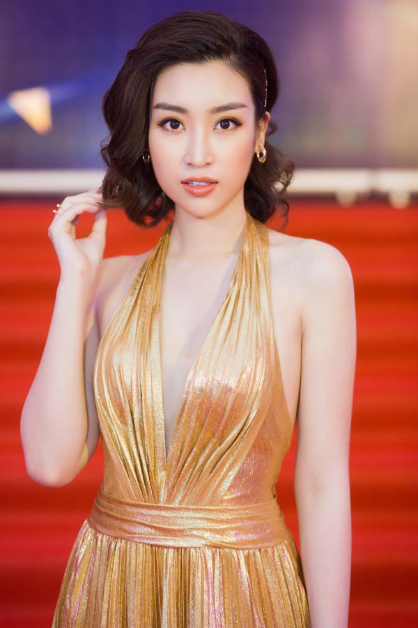 Mỹ Linh khoe trọn lưng trần, vai thon trên thảm đỏ Keeng Young Awards 2018 9