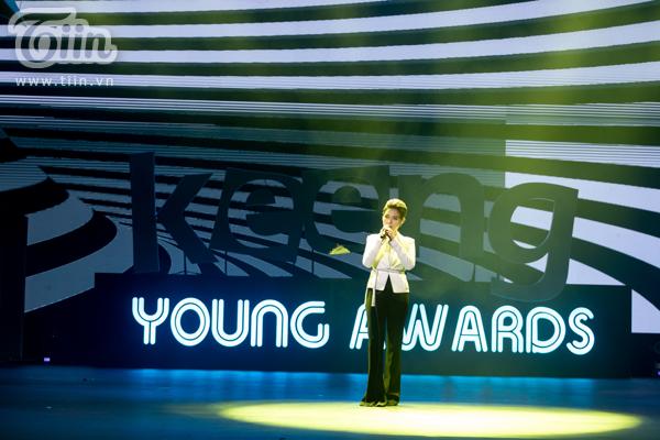 Vũ Cát Tường trên sân khấuKeeng Young Awards 2018
