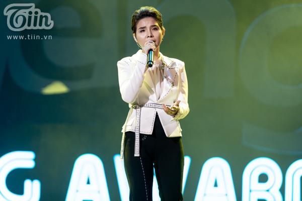 'Lụi tim' với chùm ảnh nhiều cảm xúc của Vũ Cát Tường trên sân khấu Keeng Young Awards 2018 4