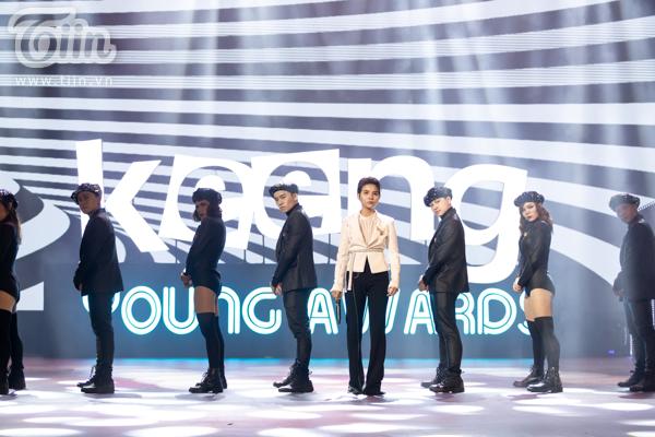 'Lụi tim' với chùm ảnh nhiều cảm xúc của Vũ Cát Tường trên sân khấu Keeng Young Awards 2018 9