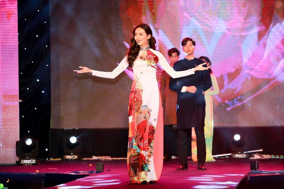 Ngắm loạt ảnh lung linh của Thanh Khoa - Tân Miss HUTECH 2019 3