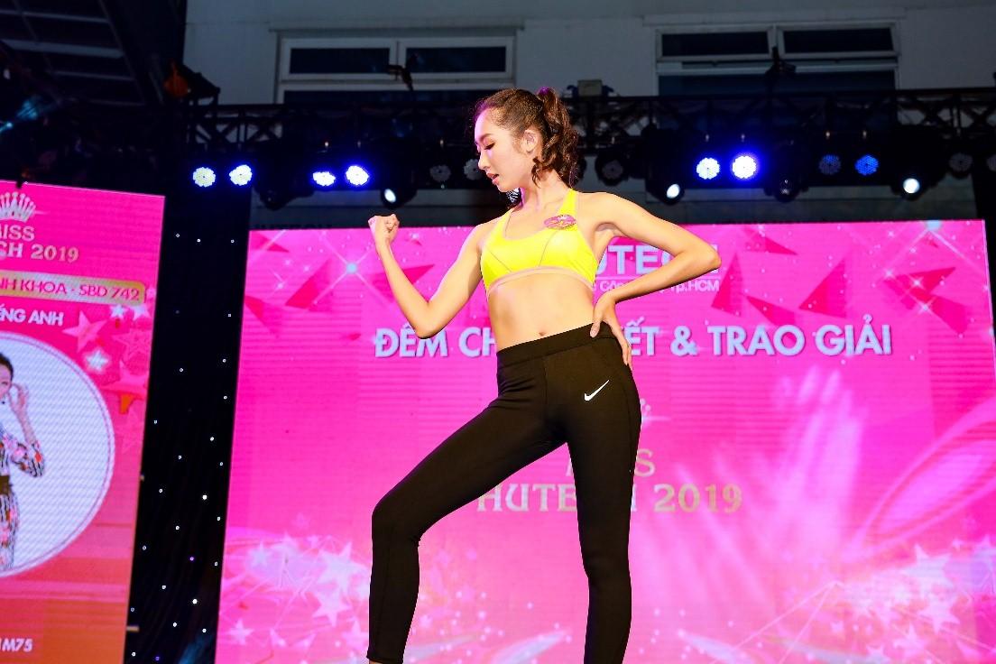 Ngắm loạt ảnh lung linh của Thanh Khoa - Tân Miss HUTECH 2019 5
