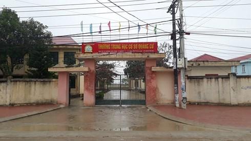Trường THCS Quảng Cư nơi phụ huynh tố thầy hiệu trưởng bóp cổ con mình.