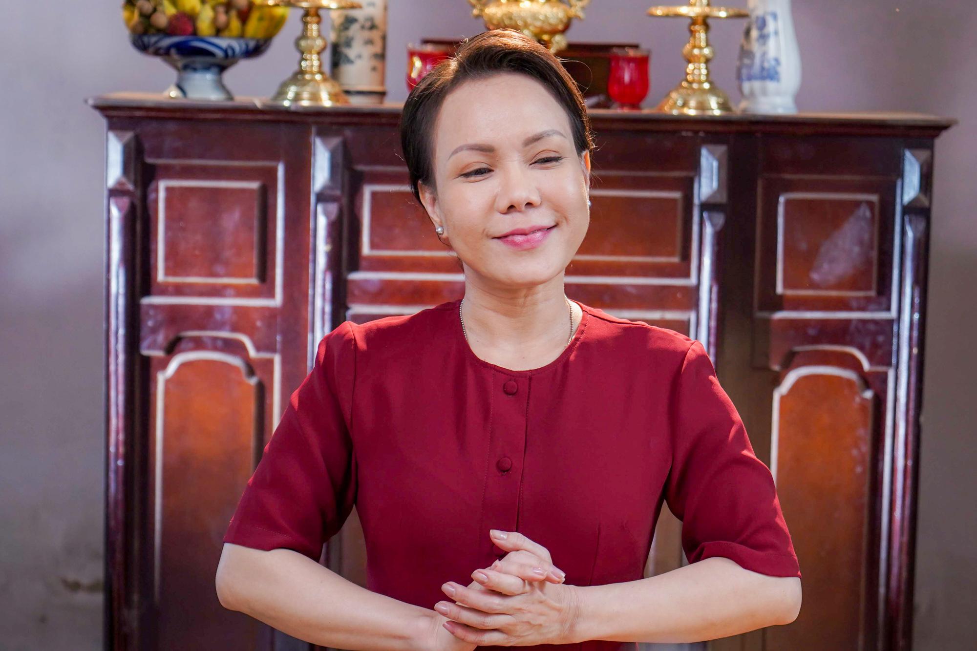 Ngoài Ngọc Trinh và Diệu Nhi, Việt Hương thành 'gái ế' nhiều tuổi trong 'Vu quy đại náo' 6