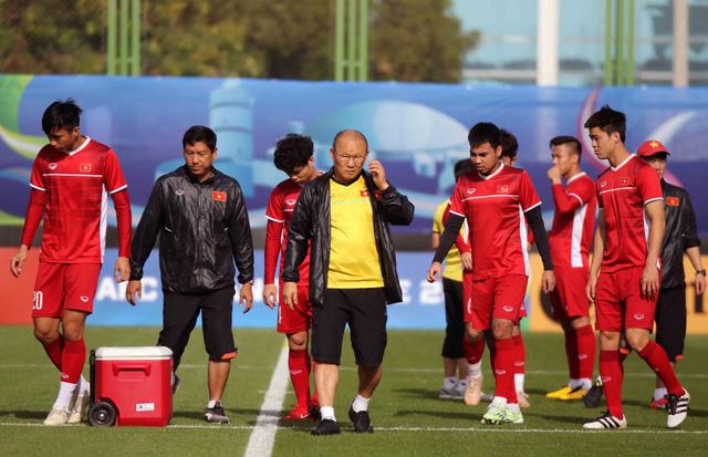 Thầy Park đã làm gì mà Đặng Văn Lâm, Công Phượng lại cười tươi đến vậy? 0