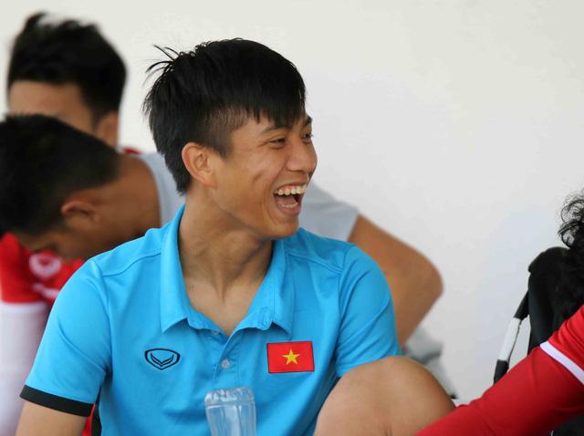 Thầy Park đã làm gì mà Đặng Văn Lâm, Công Phượng lại cười tươi đến vậy? 8