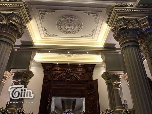 Đám cưới 'khủng' ở Nam Định: 2 siêu xe Rolls-Royce Phantom 35 tỷ đón cô dâu vàng đeo trĩu cổ 11