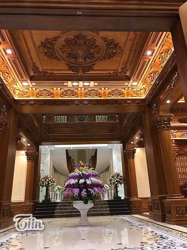 Đám cưới 'khủng' ở Nam Định: 2 siêu xe Rolls-Royce Phantom 35 tỷ đón cô dâu vàng đeo trĩu cổ 12