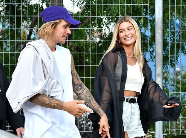 Justin Bieber và Hailey Badwin gửi thiệp cưới lần 3 và tổ chức cưới lần 2? 1