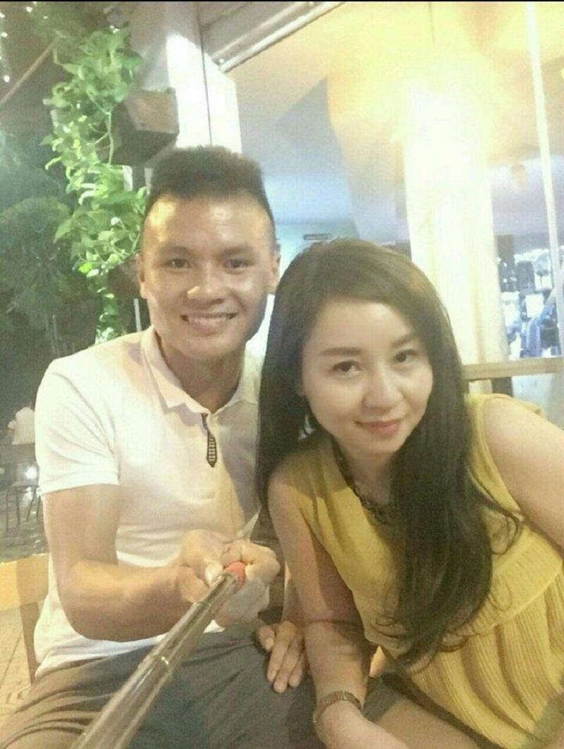 Nếu không biết, có lẽ nhiều dân mạng còn nhầm lẫn đây là chị gái của Quang Hải