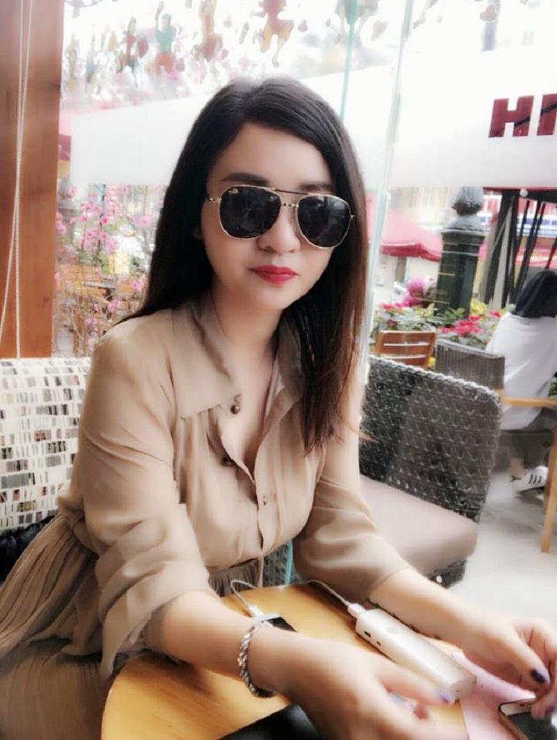 Cô Thu Trang có gu thời trang sang trọng được nhiều người yêu thích