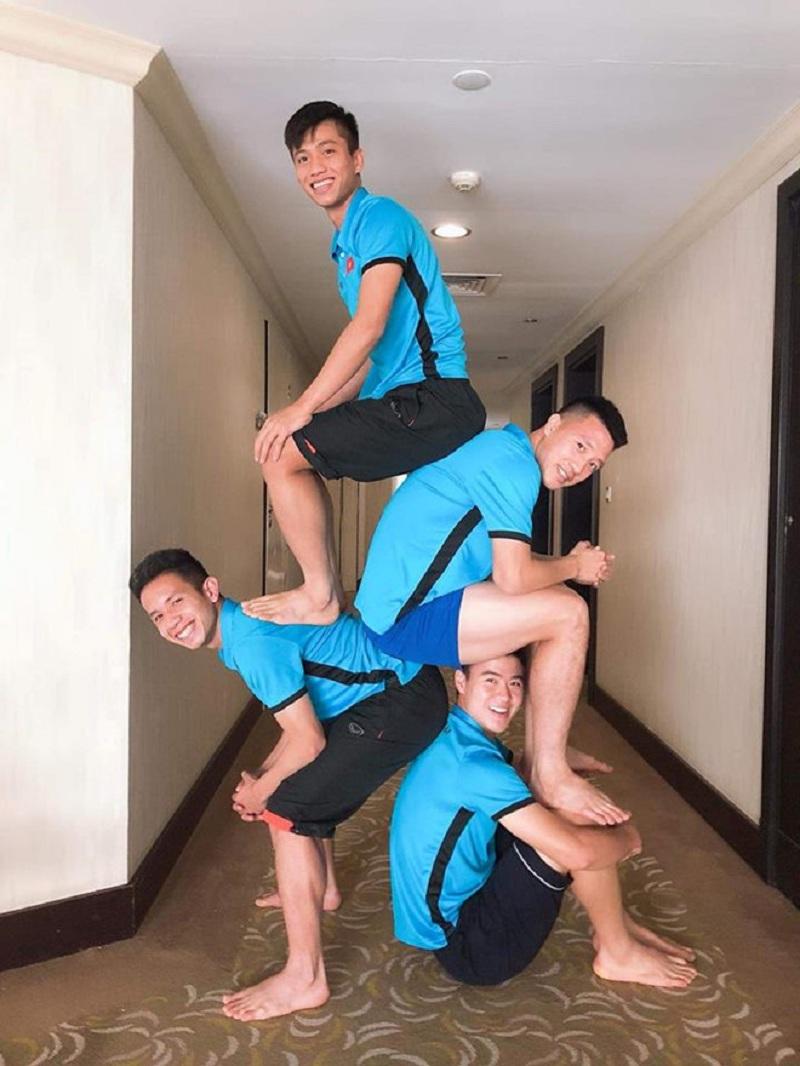 Các cầu thủ của đội tuyển Việt Nam cũng không đứng ngoài trào lưu cực 'hot' này