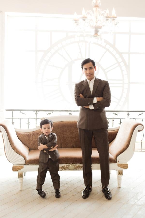 Ngọc Lan ghen tỵ vì con trai và ông xã quá ăn ý trong bộ ảnh Tết 5