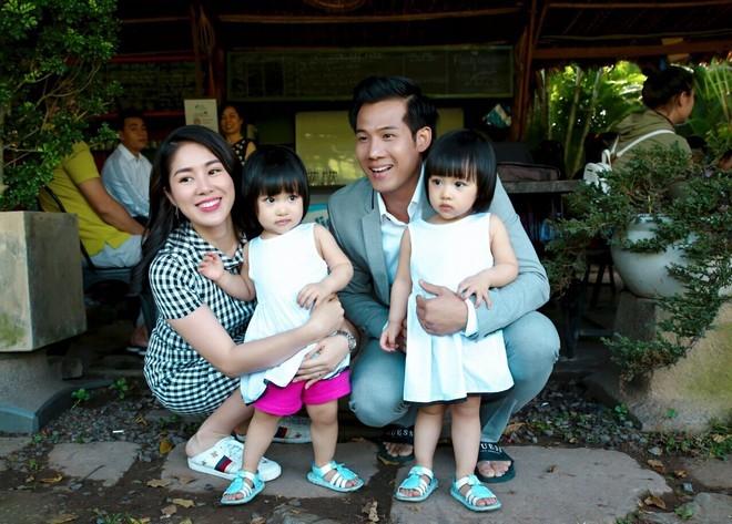 Điều thú vị chưa kể về cặp bé gái sinh đôi đáng yêu của vợ chồng Minh - Nhântrong 'Gạo nếp gạo tẻ' 1