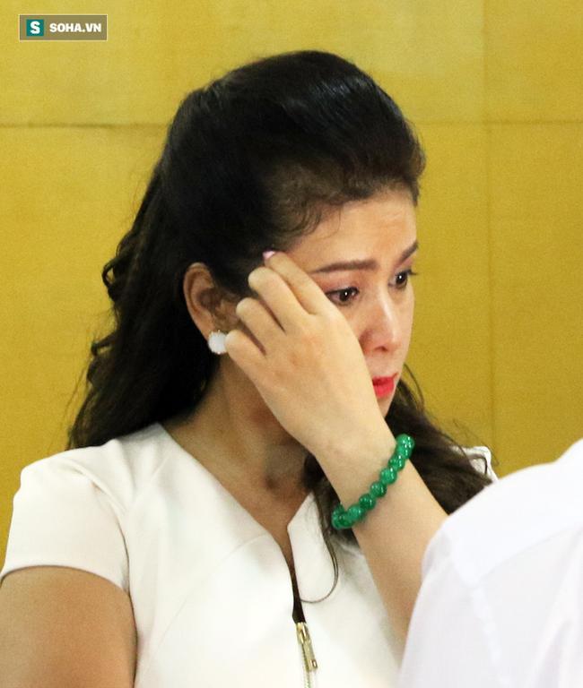 Ông Đặng Lê Nguyên Vũ và vợ không một lần ngoảnh mặt nhìn nhau tại phiên tòa xử ly hôn 6
