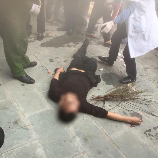 Nam thanh niên bị người dân đánh tử vong vì trộm bó đào Tết (Ảnh: Facebook)